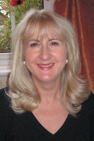 Photo of Cllr Christine Snow