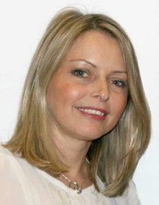 Photo of Cllr Louise Mills